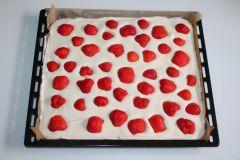Piškotový koláč s jahodami - príprava 7