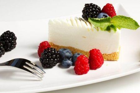 Joghurttorte mit Früchten