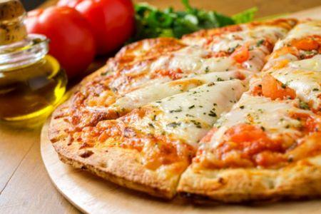 Pizza Margherita auf die schnelle Art