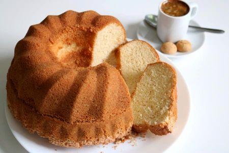 Italienischer Amarettokuchen