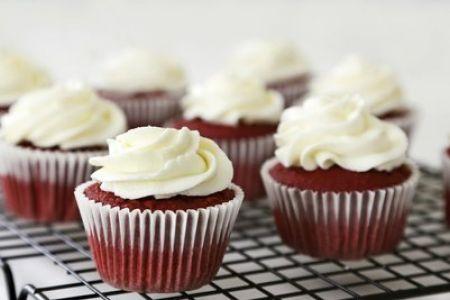 Roter Samtkuchen Cupcake