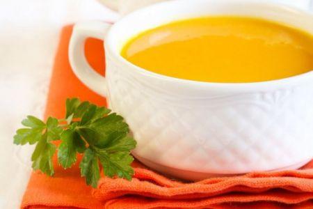 Einfache Karotten-Ingwer-Suppe