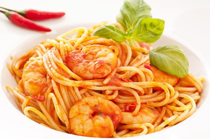 spaghetti mit scharfen garnelen rezept. Black Bedroom Furniture Sets. Home Design Ideas