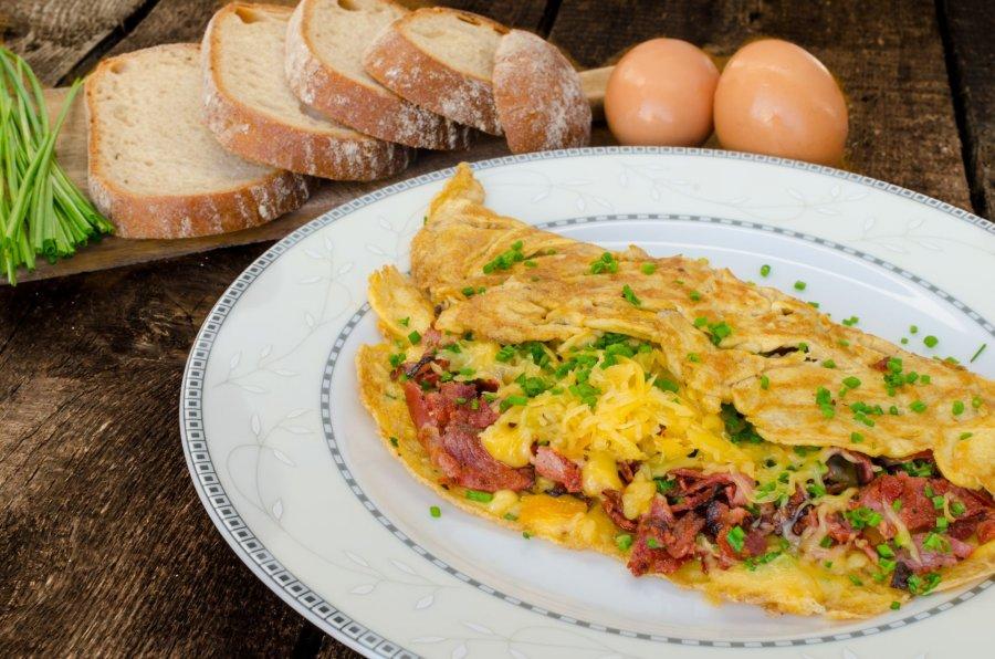 fr hst cks schinken omelette rezept. Black Bedroom Furniture Sets. Home Design Ideas