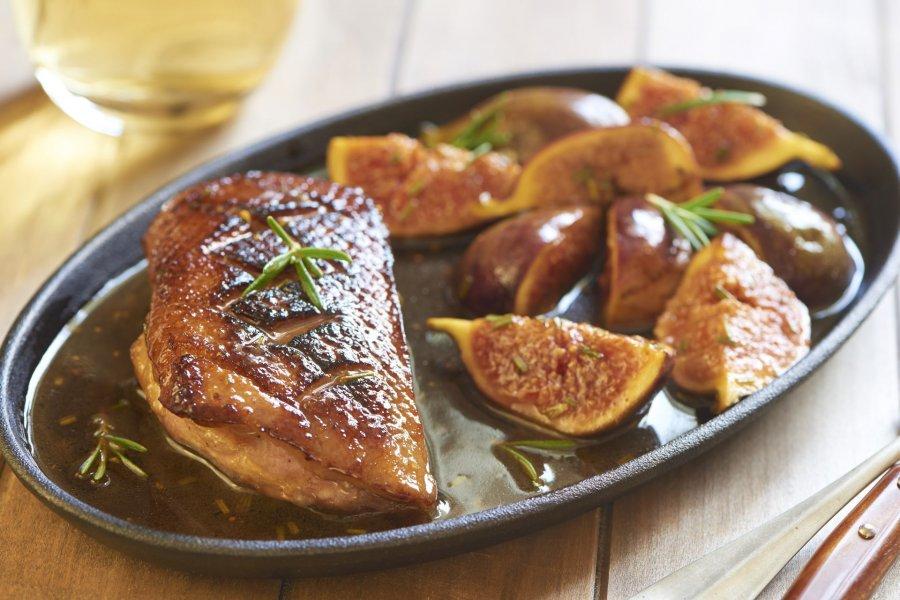 Gebratene entenbrust mit feigen in weinsauce rezept - Cuisiner les aiguillettes de canard ...