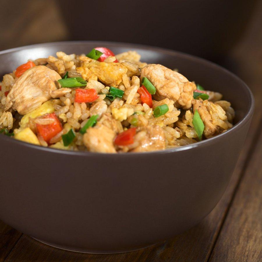 Gebratener Reis Mit Hühnchen Und Ei Rezept Kochrezepteat