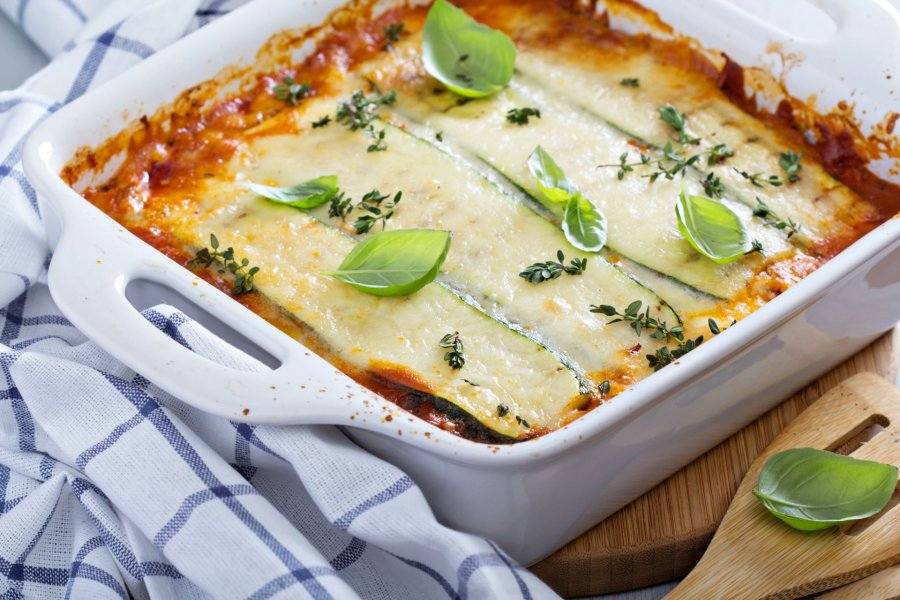 bolognese lasagne mit zucchini rezept. Black Bedroom Furniture Sets. Home Design Ideas