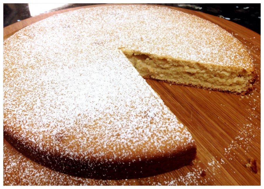 Haselnuss kuchen mit kondensmilch