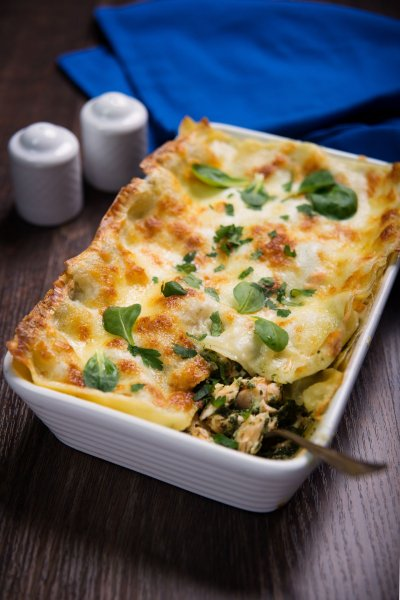lachs lasagne mit spinat rezept. Black Bedroom Furniture Sets. Home Design Ideas