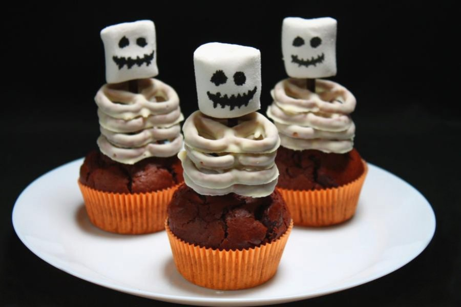 halloween skelett muffins rezept. Black Bedroom Furniture Sets. Home Design Ideas